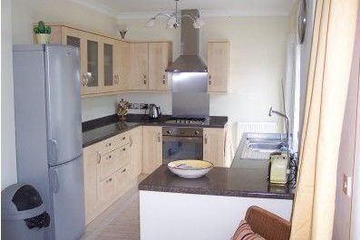 kitchen fitter netley abbey